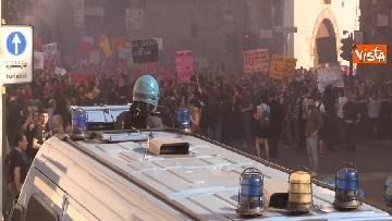 3 - Manifestazione femminista a Verona, in 20mila in corteo