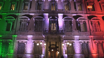 4 - Palazzo Madama illuminato con il tricolore