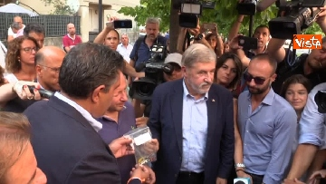 4 - Ponte Morandi, consegnate le chiavi alle prime 5 famiglie sfollate