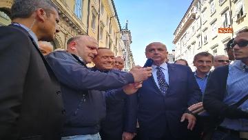 6 - Berlusconi in Piazza Unità a Trieste accompagnato dal sindaco della città