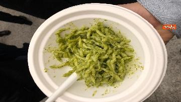 10 - Il patto del pesto, Conte Salvini e Toti mangiano le trofie a Montecitorio