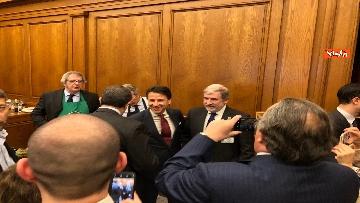 5 - Il patto del pesto, Conte Salvini e Toti mangiano le trofie a Montecitorio