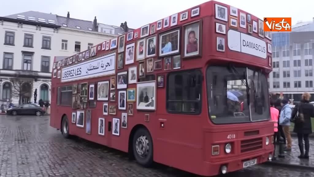 13-03-19 L'autobus della Liberta a Bruxelles, in cerca della verita sugli scomparsi in Siria