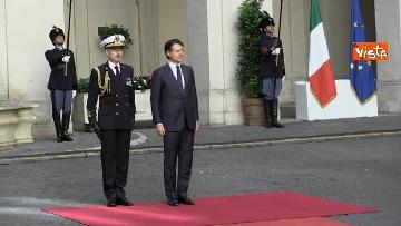 4 - Conte si insedia a Palazzo Chigi, primo giorno da presidente del Consiglio