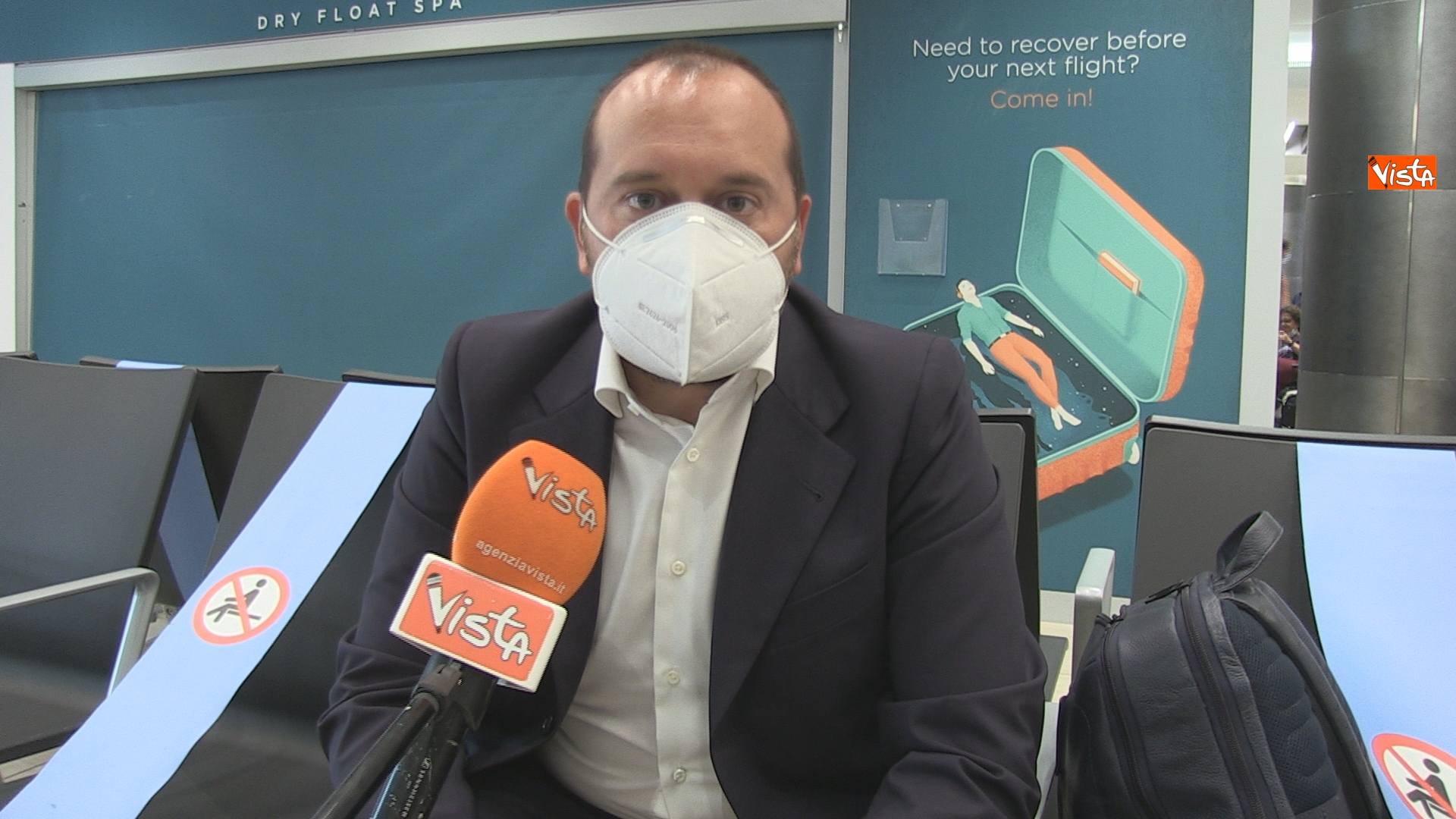 Un passeggero pronto a imbarcarsi a Milano per motivi di lavoro racconta il test che ha dovuto sostenere.