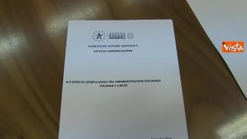 1 - Tria alla firma del Memorandum d'intesa fra le amministrazioni doganale italiana e cinese