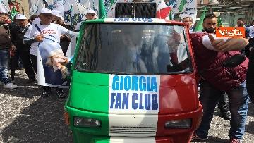 3 - Europee, Meloni chiude campagna elettorale a Napoli, il corteo per le strade della città