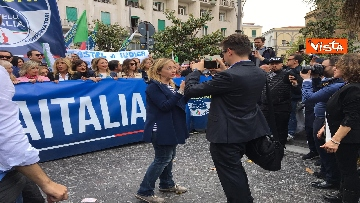 14 - Europee, Meloni chiude campagna elettorale a Napoli, il corteo per le strade della città