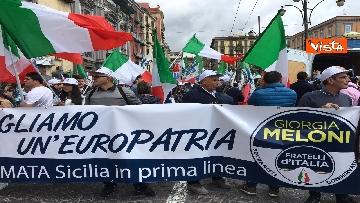 2 - Europee, Meloni chiude campagna elettorale a Napoli, il corteo per le strade della città