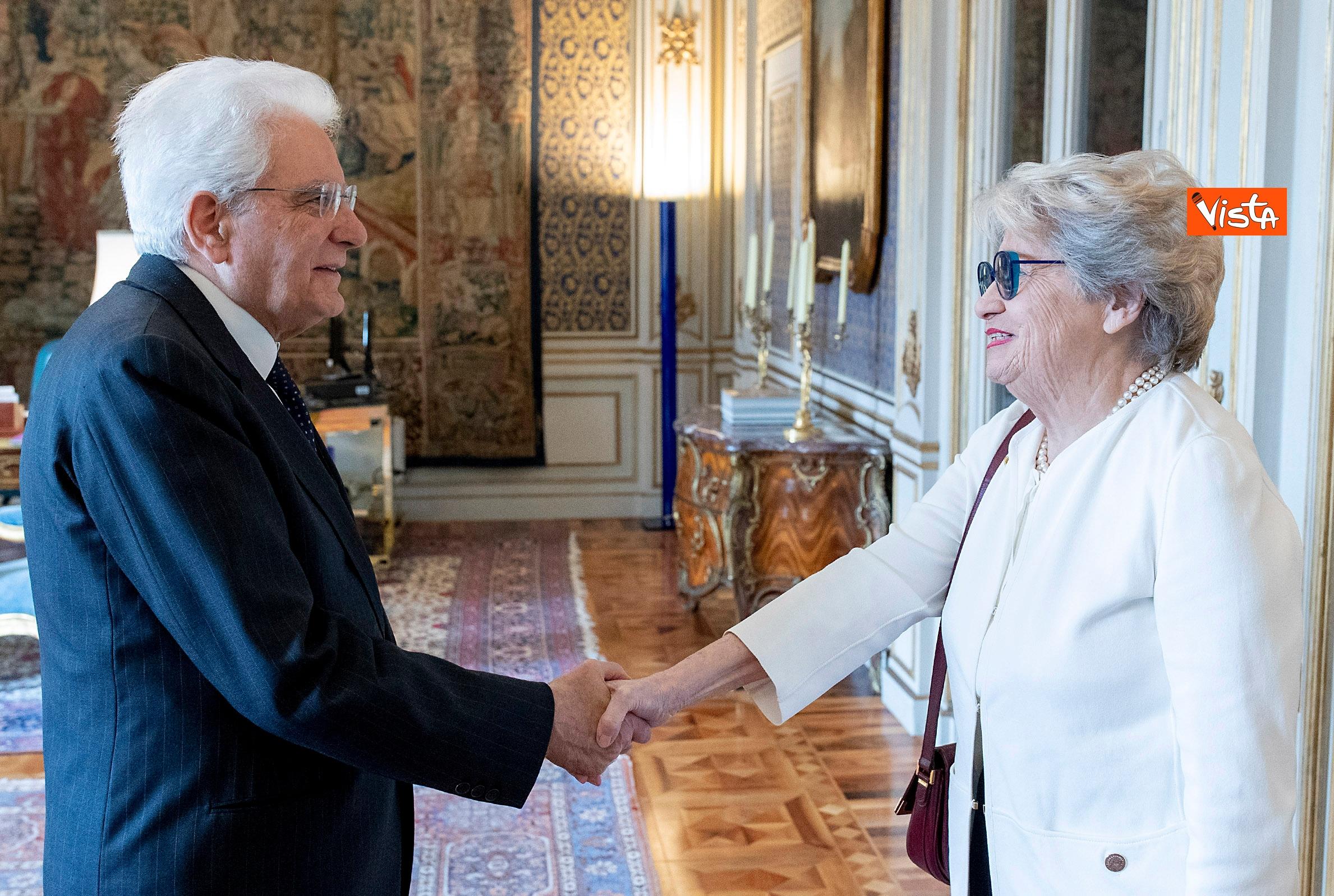 Mattarella incontra la rappresentante de 'Il Telefono Rosa'