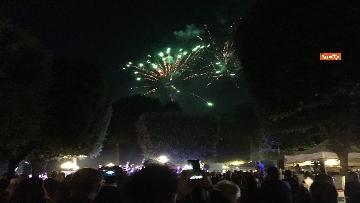 2 - Lo spettacolo dei fuochi d'artificio alla festa per il 4 luglio dell'ambasciata Usa