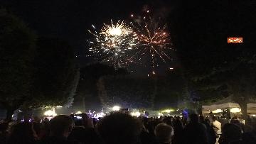 6 - Lo spettacolo dei fuochi d'artificio alla festa per il 4 luglio dell'ambasciata Usa