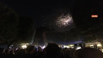 10 - Lo spettacolo dei fuochi d'artificio alla festa per il 4 luglio dell'ambasciata Usa