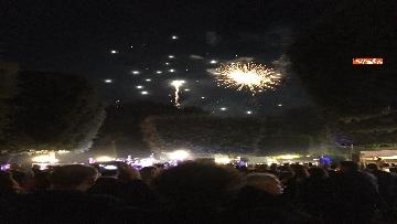 8 - Lo spettacolo dei fuochi d'artificio alla festa per il 4 luglio dell'ambasciata Usa