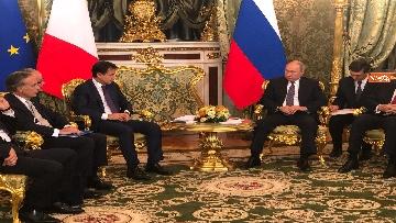 4 - Conte e Putin, l'incontro fra i due leader