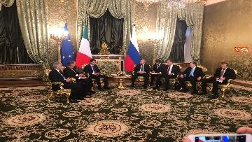 8 - Conte e Putin, l'incontro fra i due leader