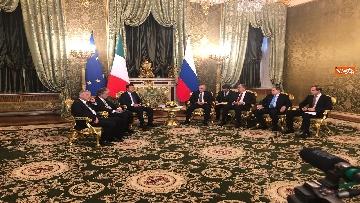 5 - Conte e Putin, l'incontro fra i due leader