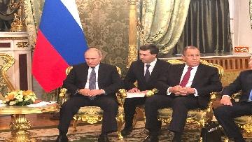 7 - Conte e Putin, l'incontro fra i due leader
