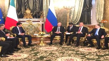 6 - Conte e Putin, l'incontro fra i due leader