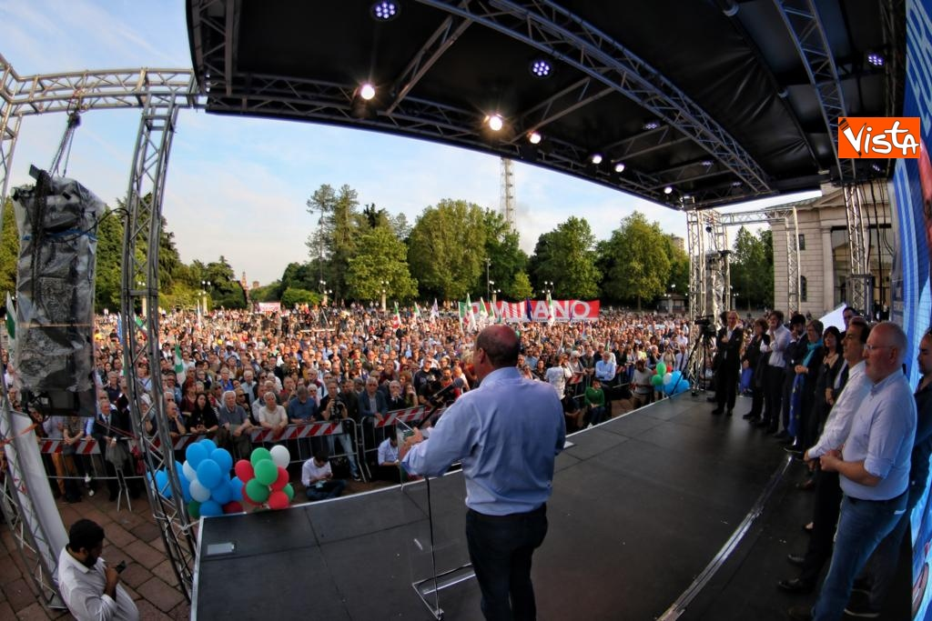 Europee, Zingaretti conclude la campagna elettorale a Milano