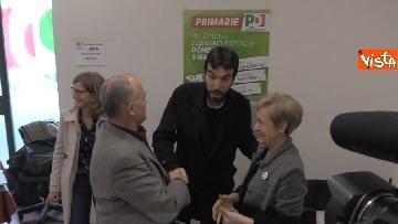4 - Primarie Pd, il voto di Maurizio Martina a Bergamo