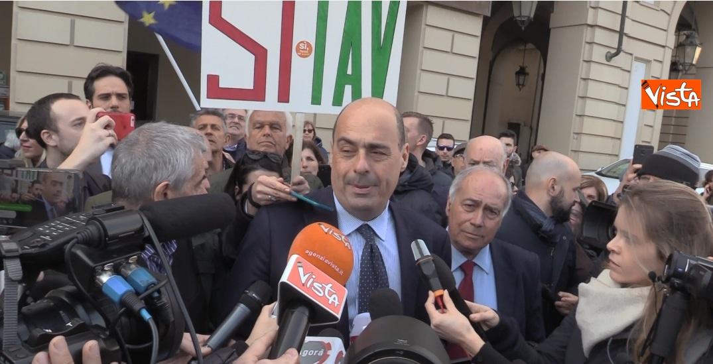 Nicola Zingaretti in piazza Castello a Torino_02