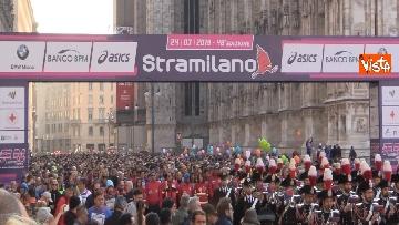 5 - Al via la Stramilano, 60mila runner nelle strade della città