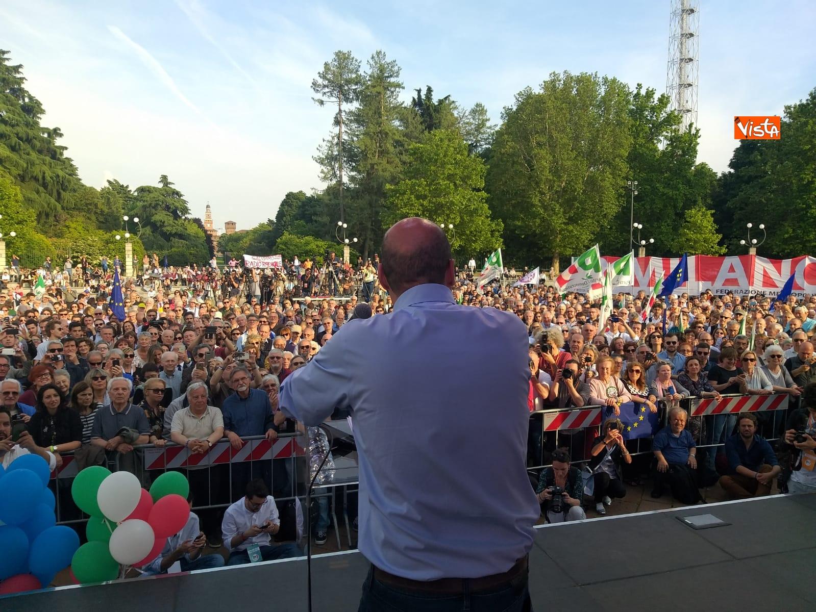 Zingaretti conclude campagna elettorale a Milano