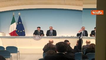 2 - Conte e Gualtieri in conferenza stampa a Chigi sulla manovra