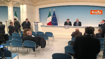 4 - Conte e Gualtieri in conferenza stampa a Chigi sulla manovra