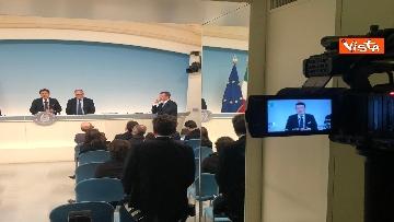 3 - Conte e Gualtieri in conferenza stampa a Chigi sulla manovra
