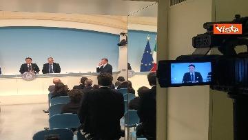 6 - Conte e Gualtieri in conferenza stampa a Chigi sulla manovra
