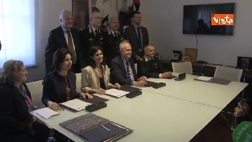 7 - Raggi e Ministro Ambiente Galletti firmano intesa per salvaguardia Riserva Litorale Romano
