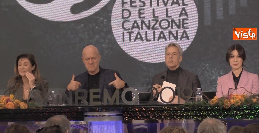 Bisio, Baglioni e Raffaele in conferenza dopo la prima serata di Sanremo_04