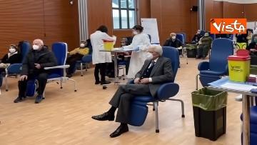 1 - Il Presidente Mattarella si è vaccinato allo Spallanzani, le immagini