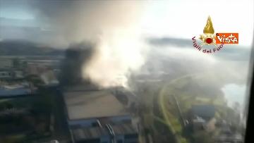 5 - Incendio al TMB di via Salaria, le impressionanti immagini della colonna di fumo
