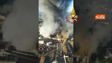 3 - Incendio al TMB di via Salaria, le impressionanti immagini della colonna di fumo