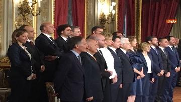 8 - Giuramento, il nuovo governo posa per la foto con Mattarella