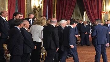 4 - Giuramento, il nuovo governo posa per la foto con Mattarella