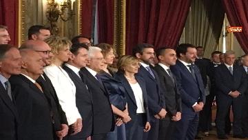 5 - Giuramento, il nuovo governo posa per la foto con Mattarella