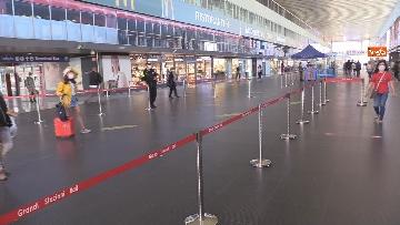 11 - Fase 2 alla Stazione Termini di Roma tra percorsi differenziati e sedute distanziate