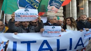 5 - Migranti, 'No Global compact' la manifestazione di FdI con Meloni