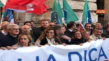 3 - Migranti, 'No Global compact' la manifestazione di FdI con Meloni