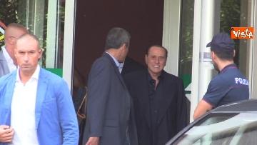 4 - Berlusconi lascia il San Raffaele