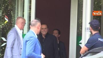 2 - Berlusconi lascia il San Raffaele