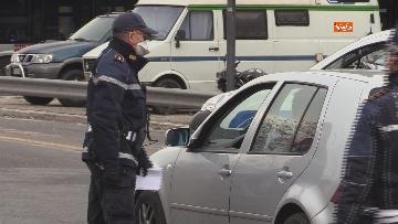 2 - Controlli serrati della Polizia di Roma. Ecco i posti di blocco sull'Anagnina
