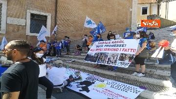"""1 - """"Gli animali non sono vite di serie B"""": la protesta delle associazioni animaliste in Campidoglio"""