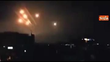 1 - Attacco Siria, le esplosioni a Damasco e le reazioni politiche