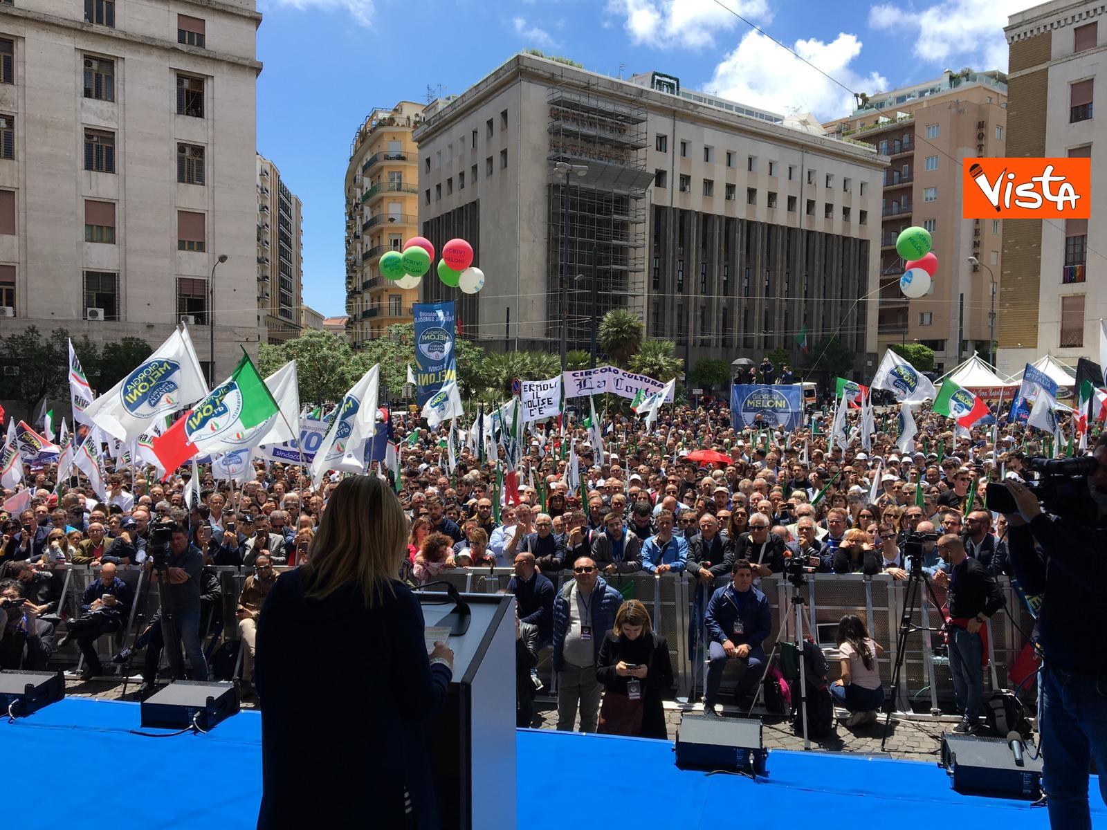 19-05-19 Europee Meloni a Napoli piazza gremita di gente per il comizio della leader di FdI