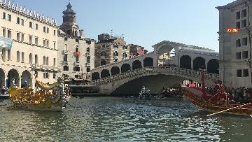 10 - Il giorno della 'Regata Storica' a Venezia, il tradizionale corteo di barche in Canal Grande